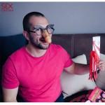 Очила пишка + кожен камшик парти секс аксесоари