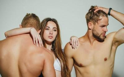 Правих як секс тройка с бисексуален и хетеросексуален | Жена на 27г. съм и се чуках с двама мъже чужденци | Секс разкази
