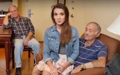 Секс тройка на младо момиче с дядовци | Секс разкази