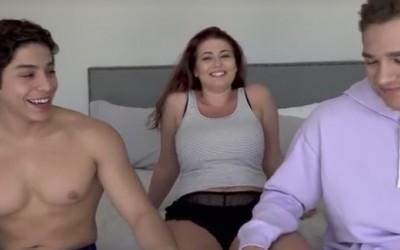 Изчука ме як пич с голям хуй | Секс за една вечер с малка курва | Правих тройка с двама мъже | Секс разкази