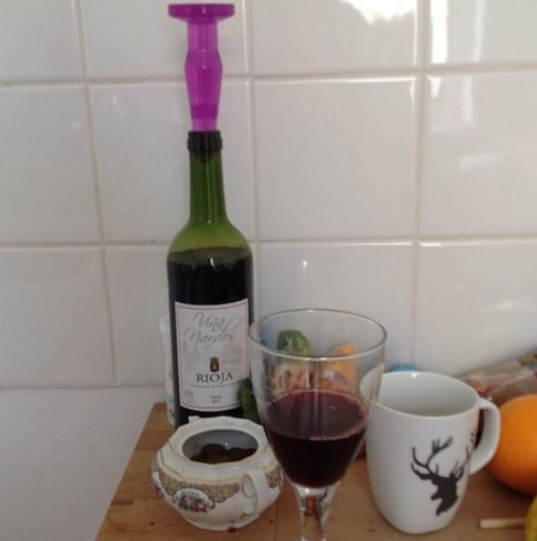 Изгубили сме корковата тапа за запушване на вино - няма проблем, с анален бът плъг тапа може да се затвори без проблем.