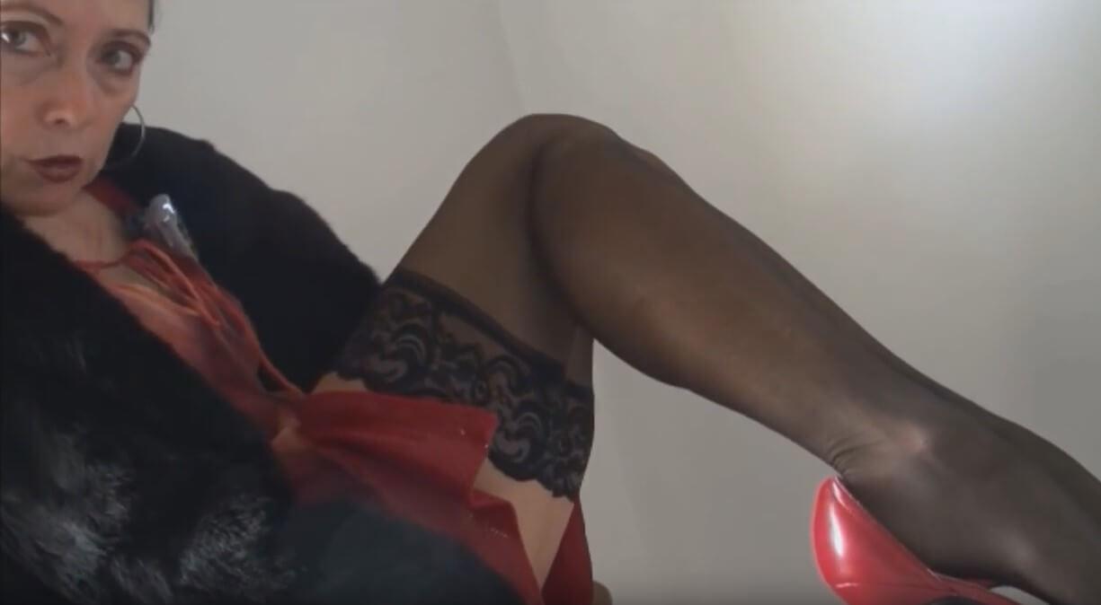 ебах леля, първият път, първи път, секс за първи път, как леля отне девствеността ми, девственост, анален секс, сестрата на мама, анално, леля ми духа, леля ми направи свирка, чуках леля, турска чикия, първия път истории, секс разкази