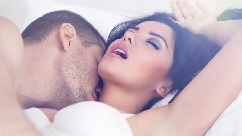 Жената вкара сама пениса в дупето си | Изненадващ анален секс | Секс разкази, анален секс, analen seks, жената, пениса, в дупето, дълбоко проникване, пулсиращ кур, пусна ми отзад, свърших в дупето, дантелени боксерки, еротично бельо